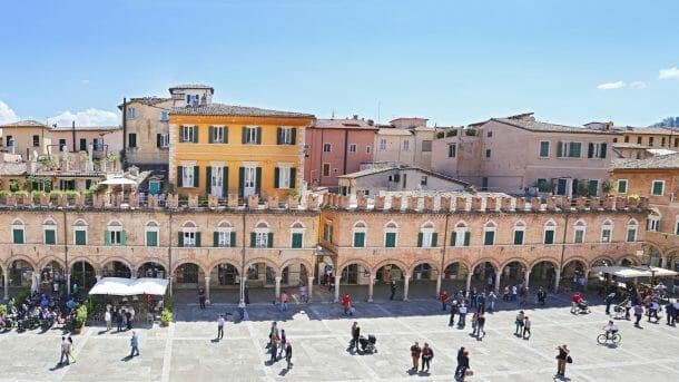 The Italian On Tour - small group Italy tours le marche abruzzo